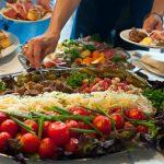 Значительная часть украинцев высказалась за русский язык в меню ресторанов