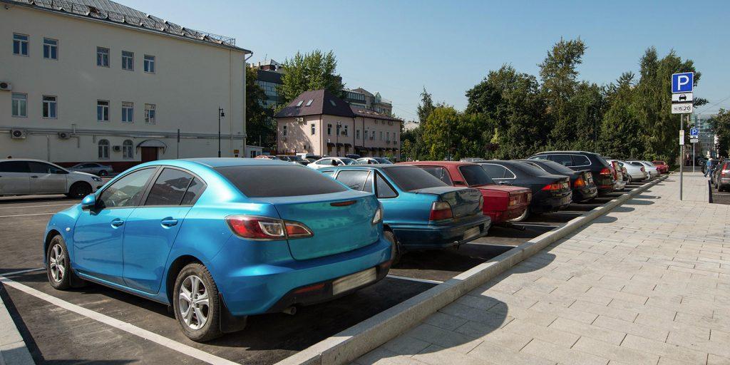Разрешение на льготную парковку получат жители девяти домов в Новогирееве