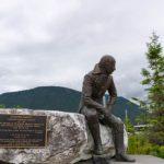 Власти Архангельской области готовы забрать памятник русскому губернатору Аляски в случае его сноса