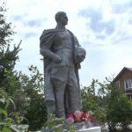 Житель ярославской деревни восстановил памятник советскому солдату