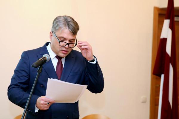 Латвийский омбудсмен хочет помочь медикам