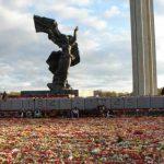 Радиослушательница: сограждане русские, если дорог памятник, почему не убираете?