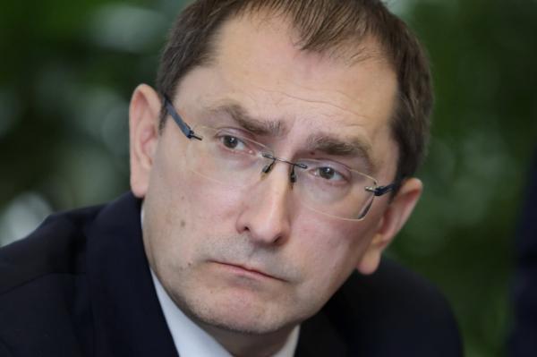 Латвийский министр попал в больничную очередь. Что теперь будет?