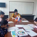 Завершились бесплатные летние курсы для детей в Улан-Баторе
