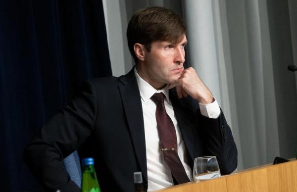 Партия реформ решила вырозить вотум недоверия Мартину Хельме