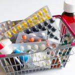 Внезапно: в Латвии подорожали все лекарства, даже витамин С