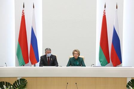 Матвиенко: Россия и Белоруссия будут бороться с попытками фальсификации истории