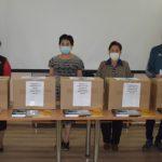 Школы Киргизии получили учебники в дар от России