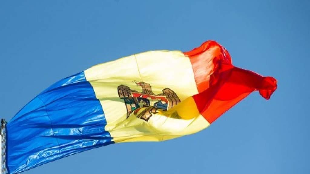 Парламент Молдавии вновь присвоил русскому языку статус языка межнационального общения