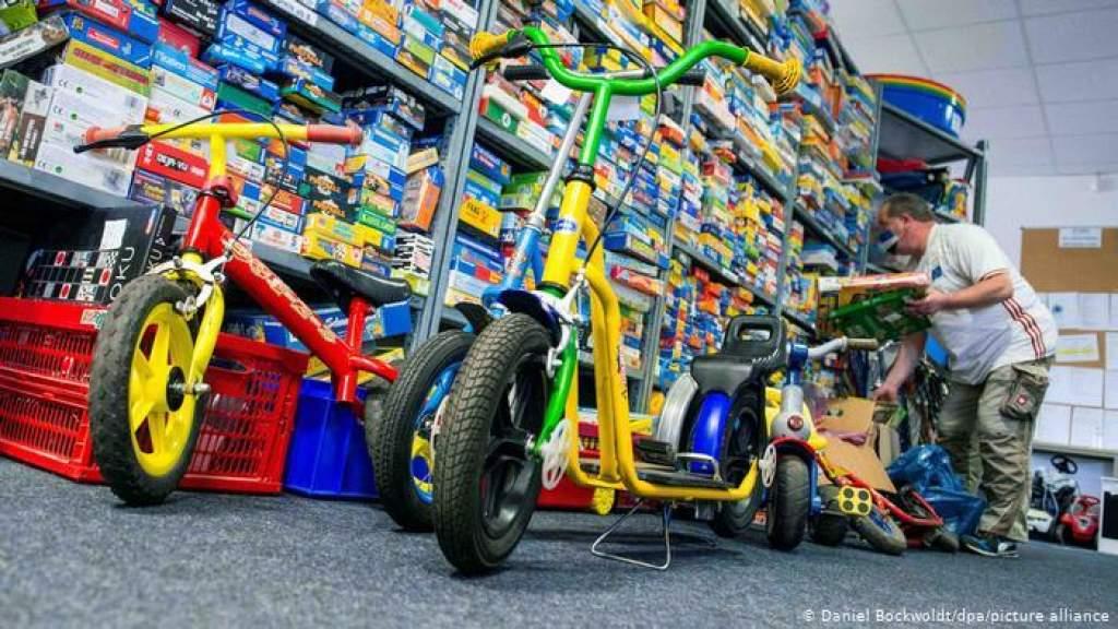 Детская солидарность, или Чем полезны старые игрушки