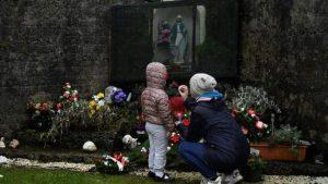 В католических приютах Ирландии умерли тысячи детей, их матерей унижали и били